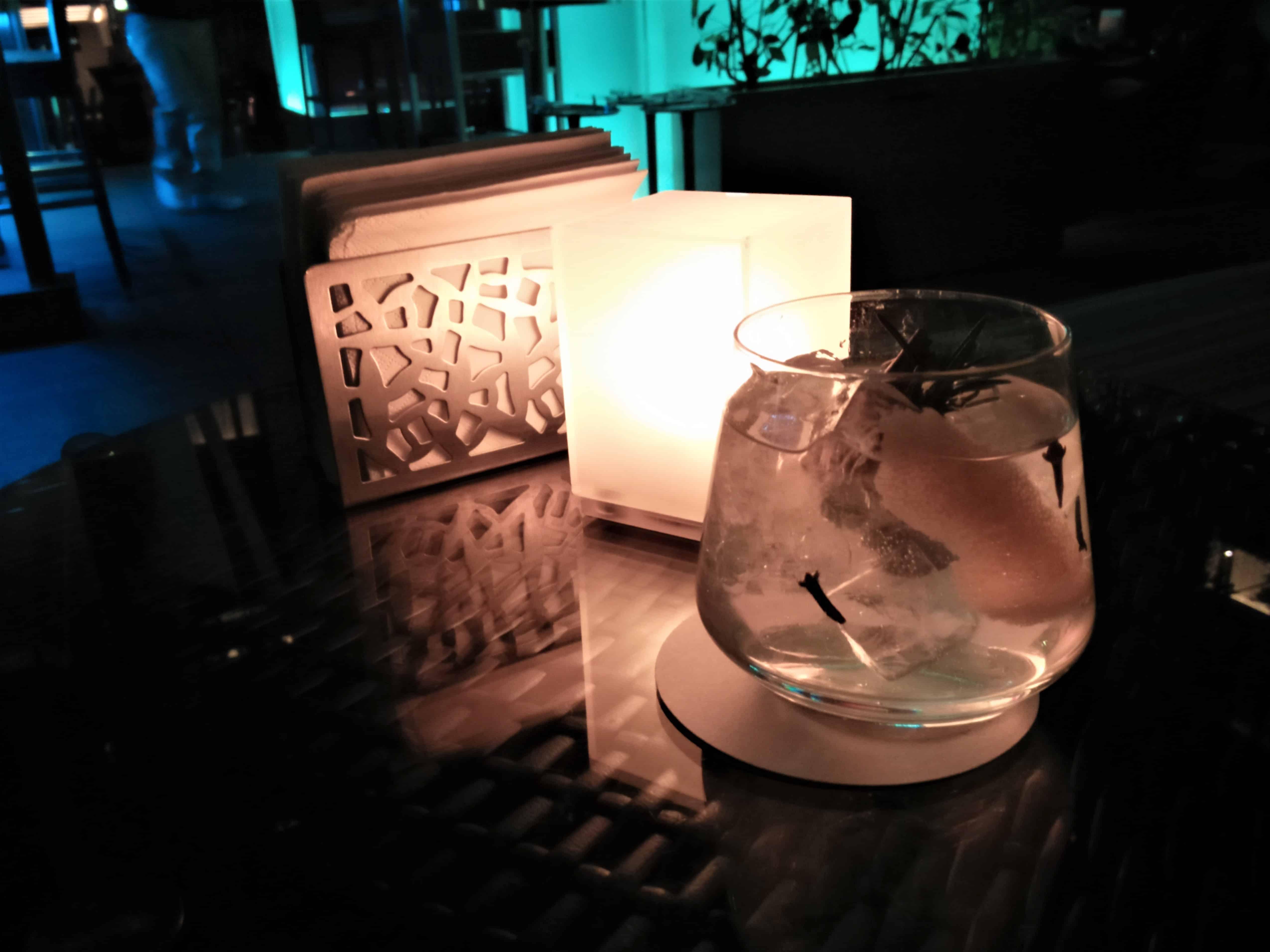 image-of-gin-and-tonic-cocktail-at-hong-kong-cocktail-lounge