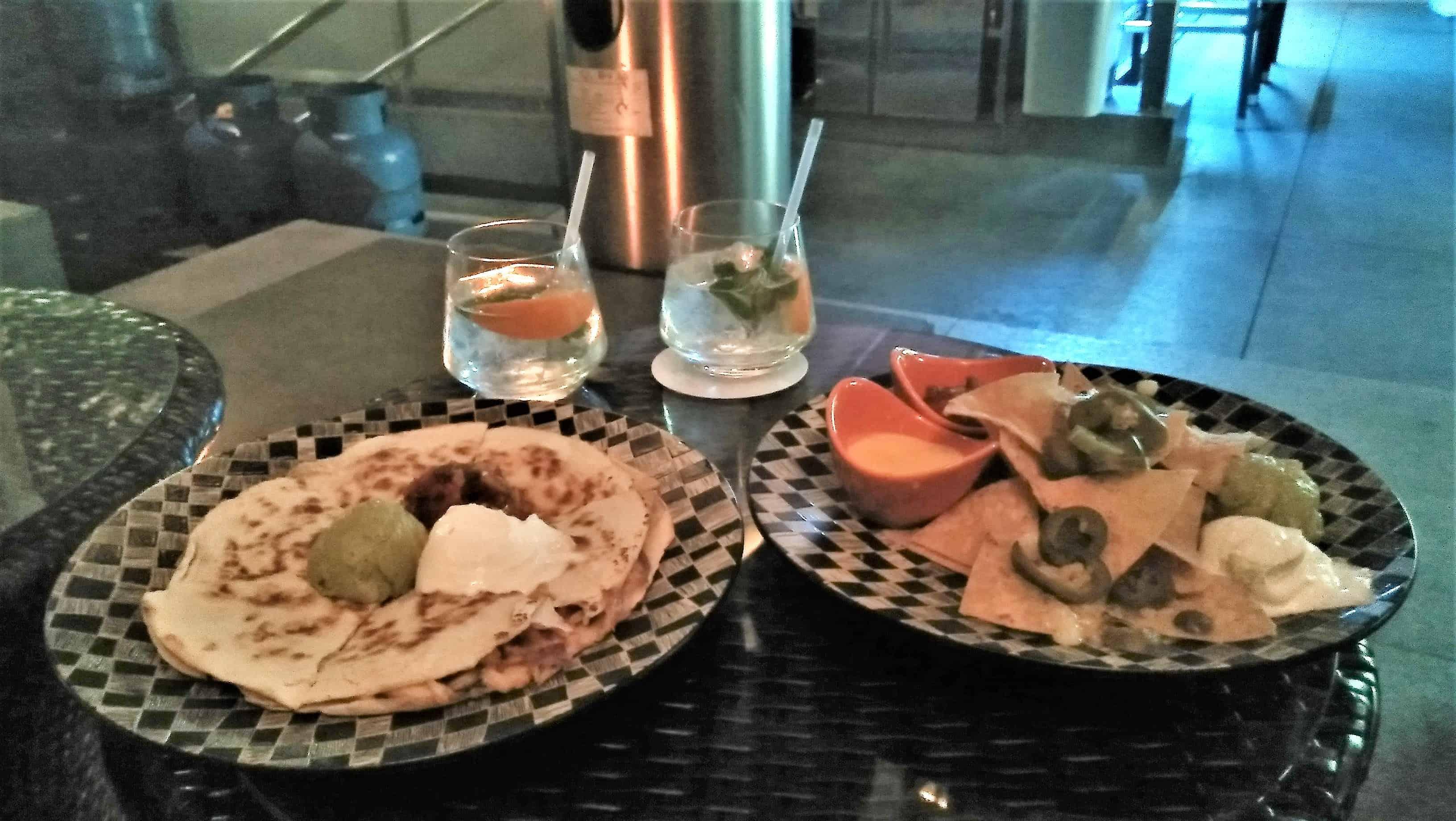 image-of-queisadillas-and nachos-at-hong-kong-lounge