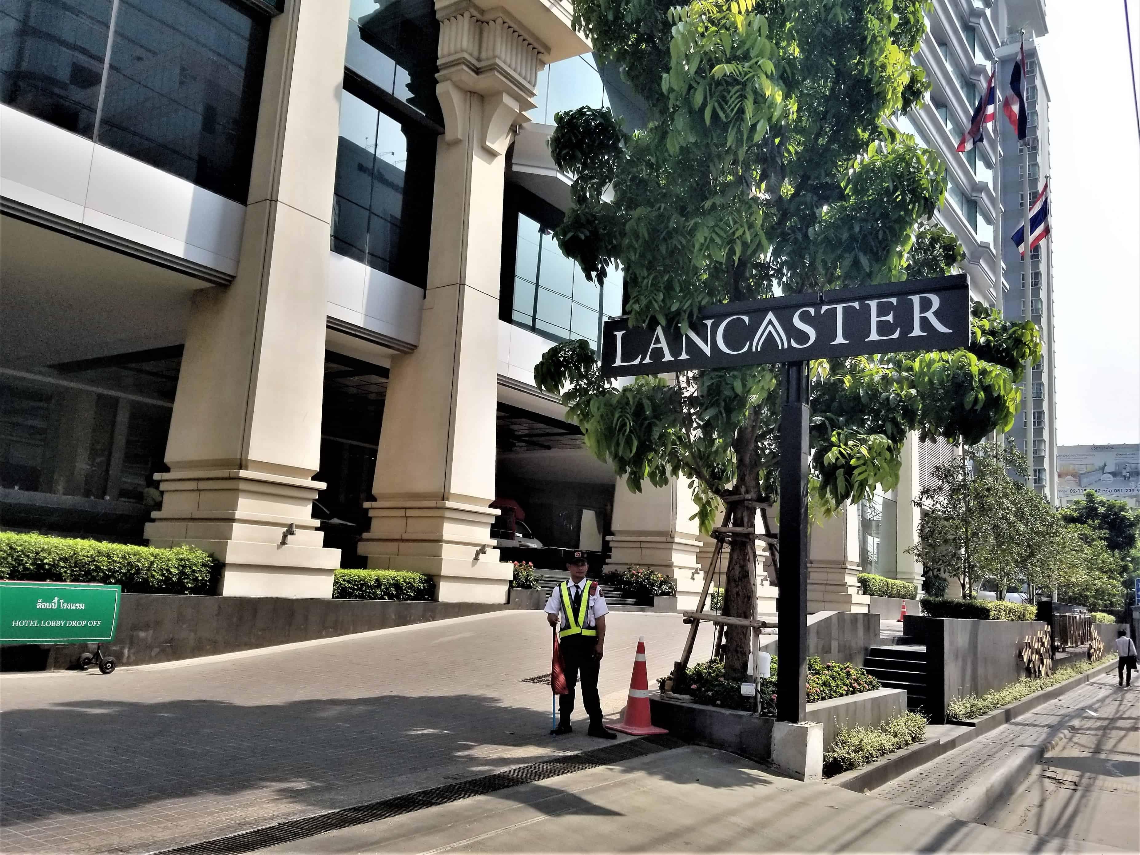 image-of-lancaster-bangkok-hotel-entrance