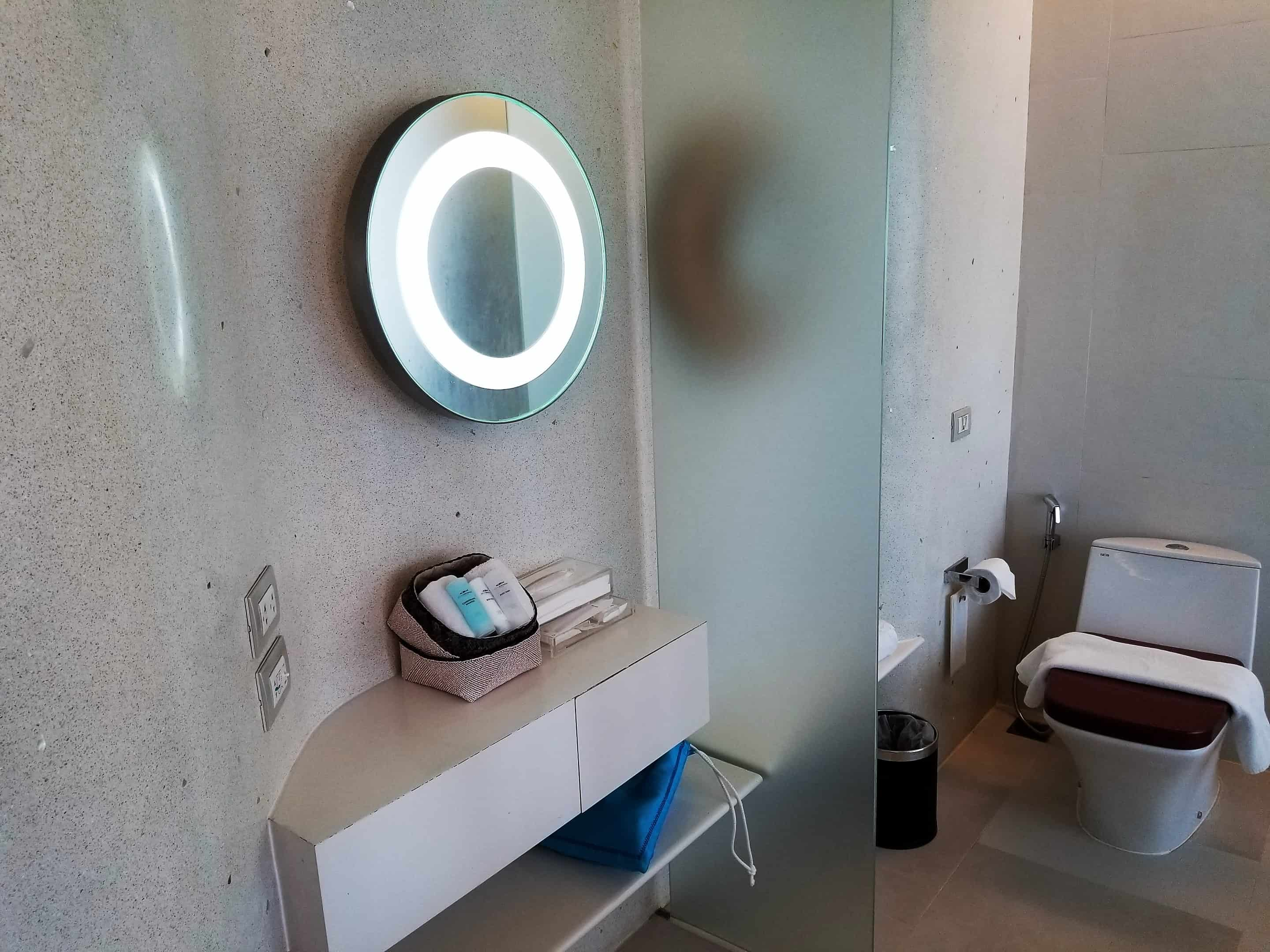 image-of-hotel-bathroom