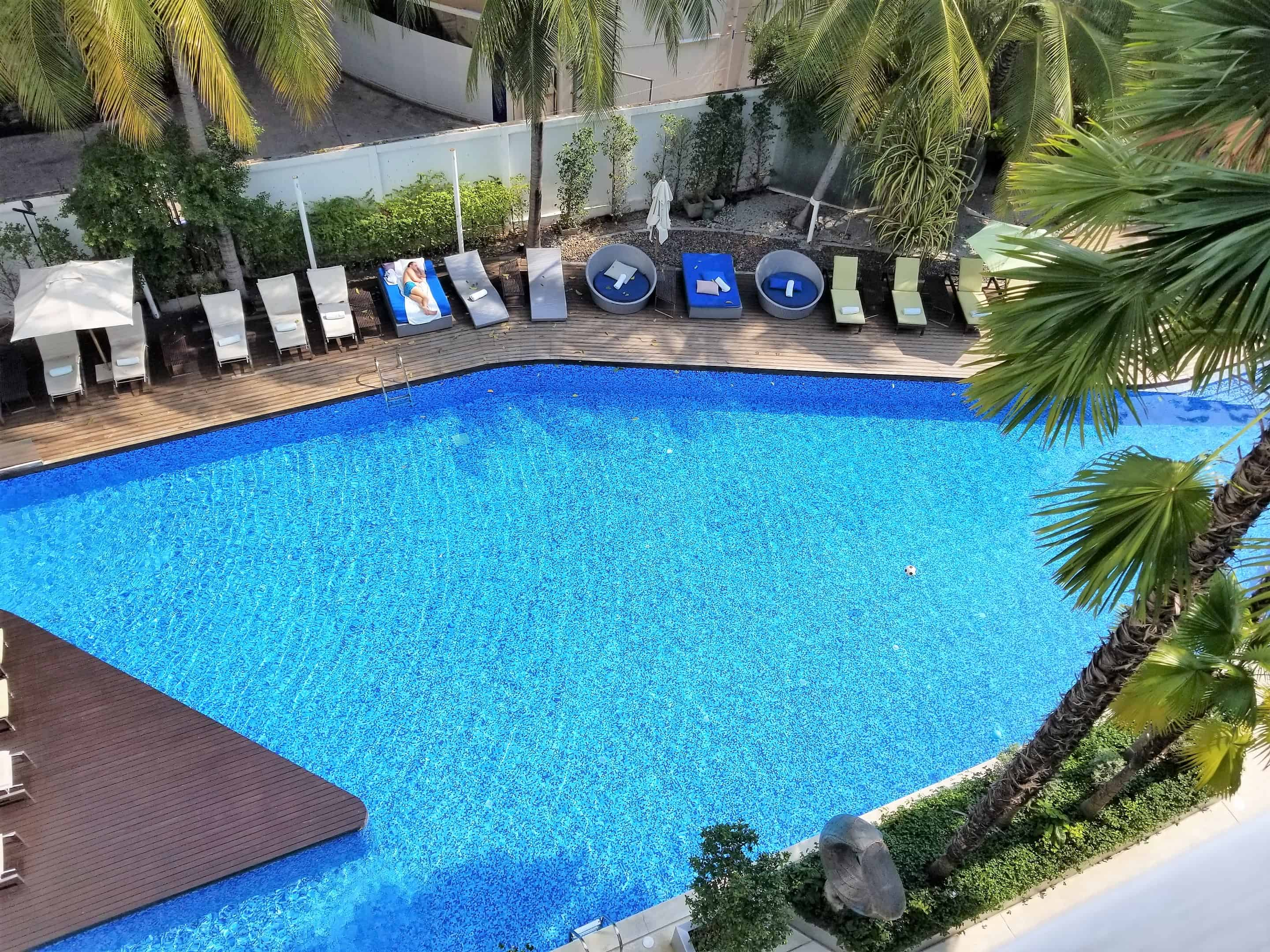 image-of-hotel-baraquda-swimming-pool