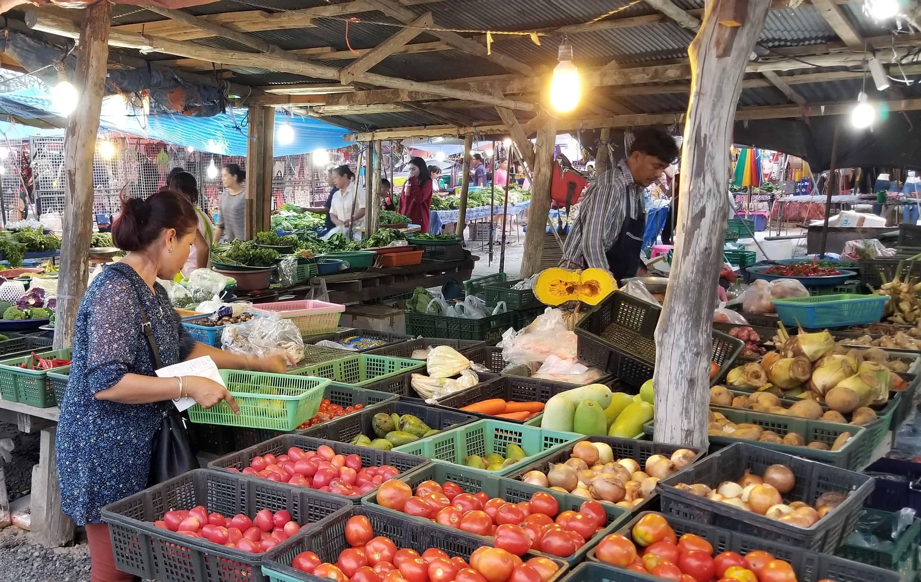 image-of-vegetable-stand-at-nai-yang-market-in-phuket-thailand