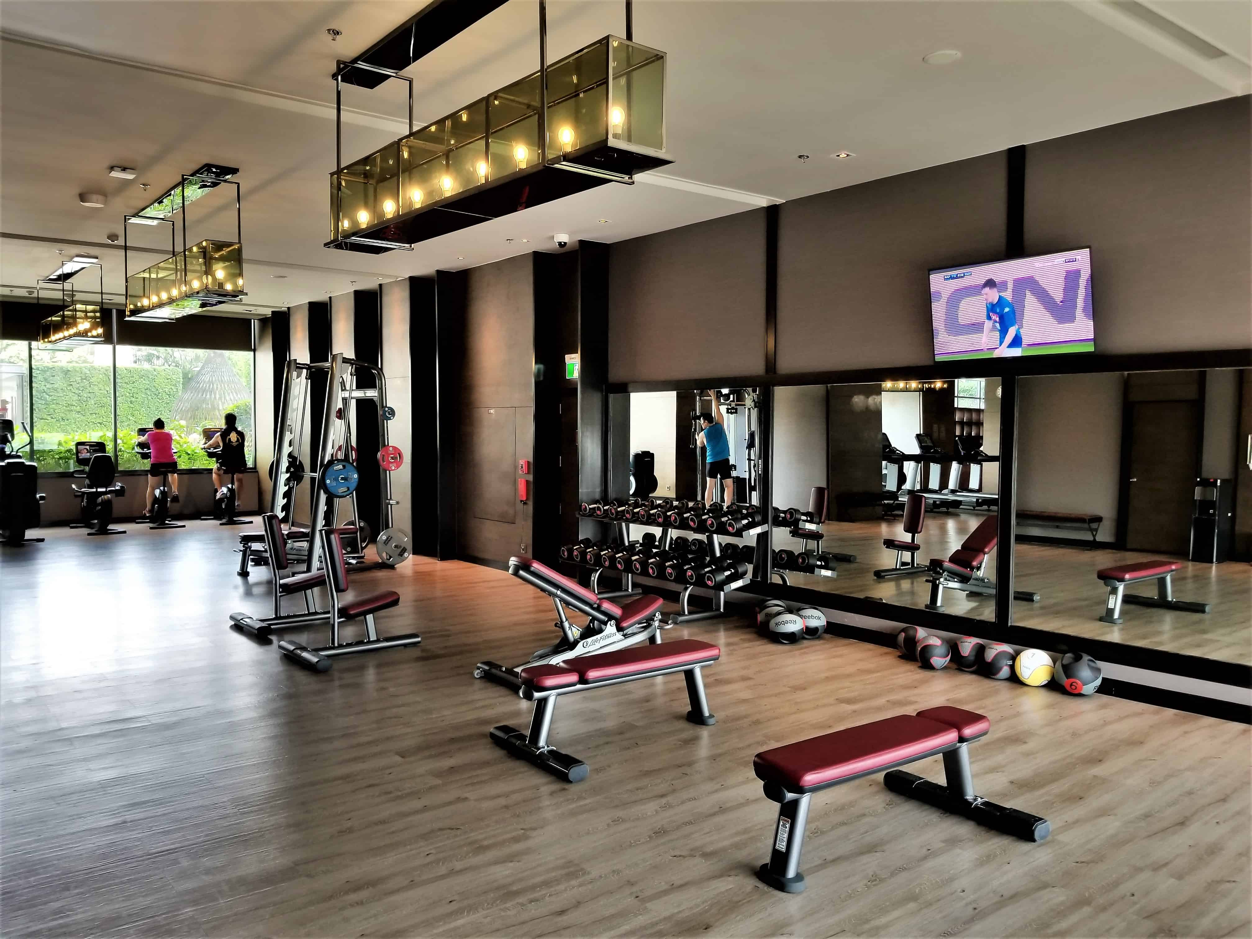 image-of-bangkok-marriott-marquis-queens-park-hotel-gym-free-weights